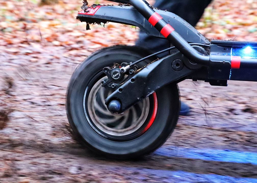 Kaabo, Wolf warrior, extreme, wolf warrior 11, inner beast, kixkscooter, kickscooter, 2400w, dual mode, dualtrone, 5400W, extreme sports, extreme speed,