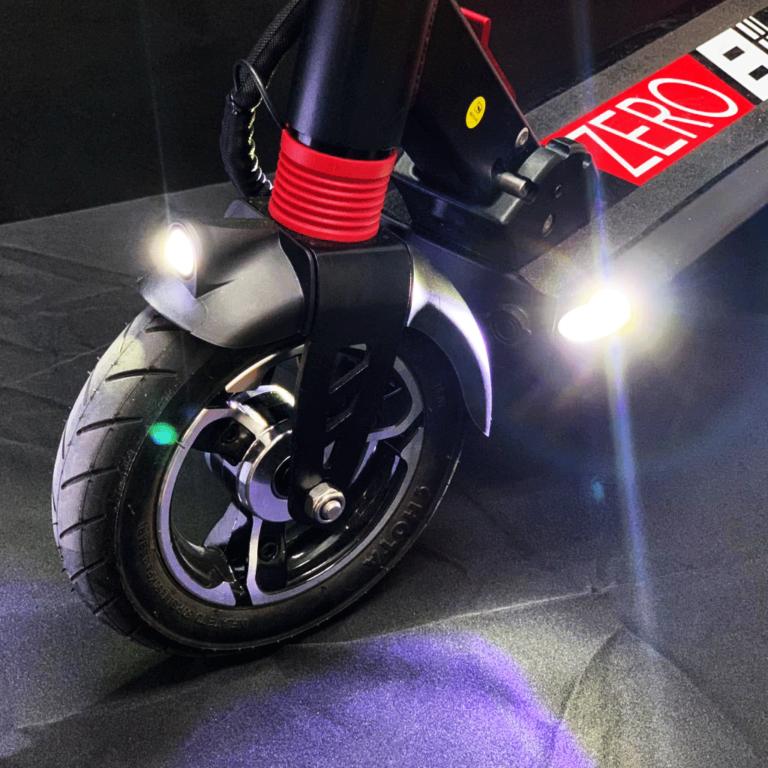 Zero 8 electric kickscooter. Zero 8 električni romobil