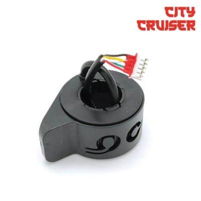 Akcelerator-s-funkcijskim-tipkama-za-City-Cruiser-10-električni-romobil