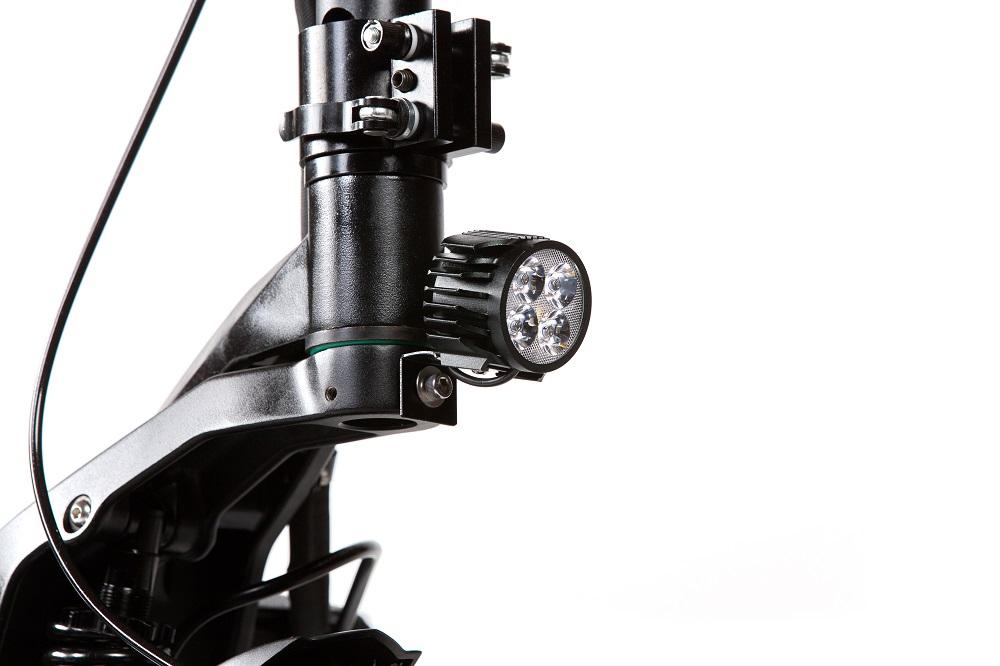 Pulse 10 Dual električni romobil 2x1200w - prednje svijetlo koje u sebi ima i trubu