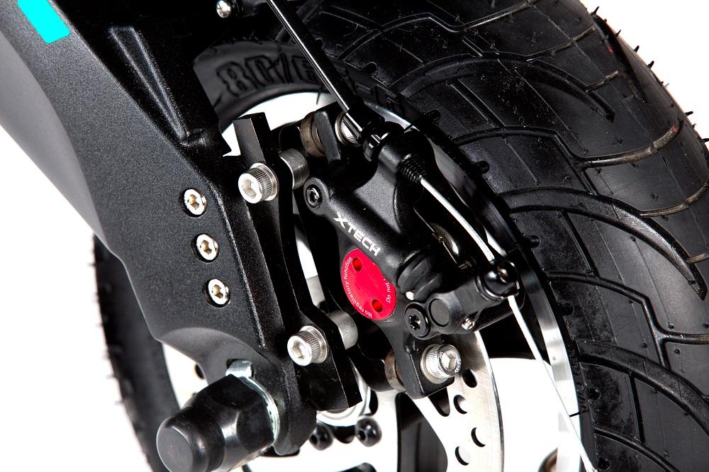 Pulse 10 single električni romobil 1200w - Xtech kočnice za sigurnu vožnju na električnome romobilu
