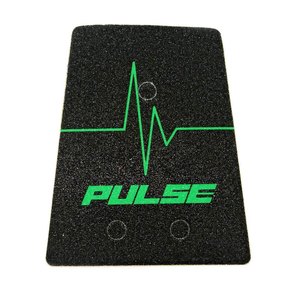 P10079 Protuklizna naljepnica stražnjeg oslonca PULSE za PULSE 10